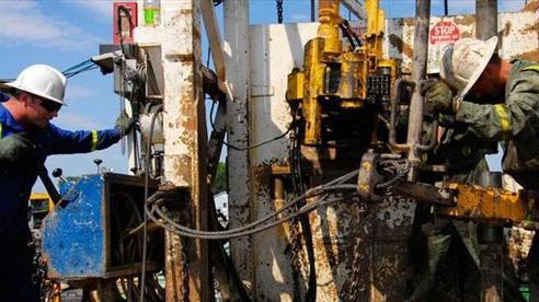 OPEC+ nhất trí nâng sản lượng dầu mỏ
