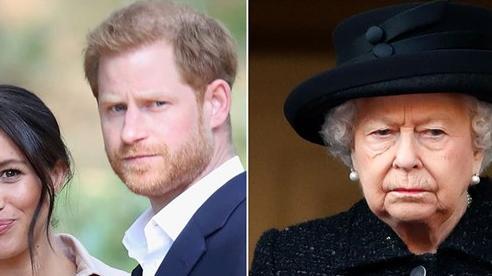 Cuốn sách của Harry châm ngòi lửa giận Hoàng gia, Nữ hoàng có thể sẽ rút lại lời mời đến Anh cho hai vợ chồng