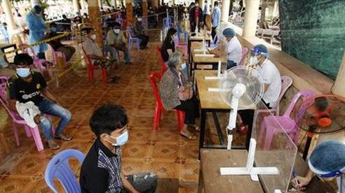 Áp lực các ca nhiễm COVID-19 nhập cảnh Campuchia