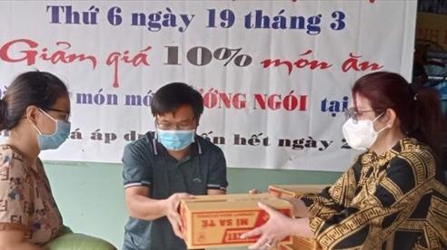 Báo Nhân Dân vận động tặng quà người dân bị ảnh hưởng dịch Covid-19