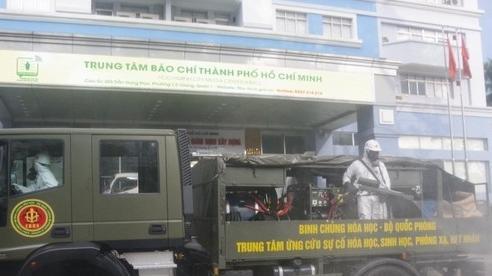 Bộ Tư lệnh TP.HCM phun khử khuẩn toàn thành phố