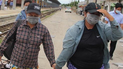 Gia đình 4 người đạp xe từ Đồng Nai về Nghệ An gửi lời cảm ơn mọi người