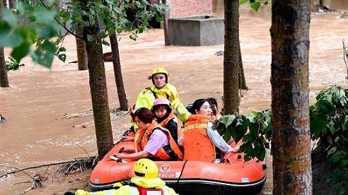 Hình ảnh khủng khiếp về trận mưa lịch sử ở thành phố Trịnh Châu, Trung Quốc