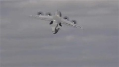 Mỹ khoe màn ngóc đầu cất cánh như tiêm kích của C-17