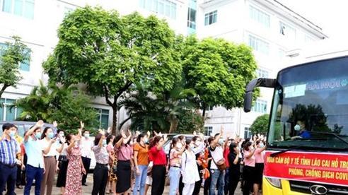 50 cán bộ y tế Lào Cai lên đường hỗ trợ Bình Dương chống dịch
