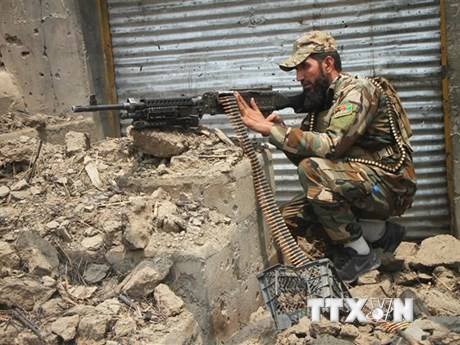 Mỹ tiến hành không kích hỗ trợ các lực lượng chính phủ Afghanistan