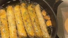 Cắt vài lát loại củ này vào dầu, rán nem vàng giòn rụm, không cặn đen