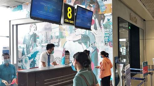Vietnam Airlines tiếp tục chở lực lượng y tế đến phía Nam chống dịch
