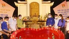 Thắp nến tri ân các anh hùng, liệt sĩ tại Ngã ba Đồng Lộc