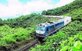 Tàu vận tải liên vận 'cứu' ngành đường sắt