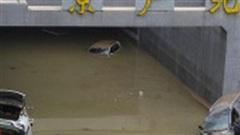 Cảnh tang thương ở Trịnh Châu khi dọn hầm bị ngập lụt