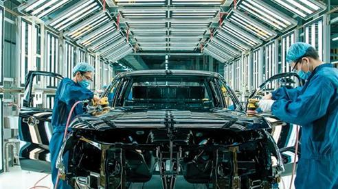 Ô tô Việt Nam 'bước một chân' vào thị trường thế giới