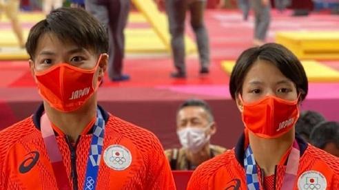 Hai anh em song sinh giành cú đúp huy chương vàng Judo cho Nhật Bản