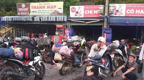 Đà Nẵng bàn giao 137 người đi xe máy từ TP HCM về quê cho Thừa Thiên - Huế