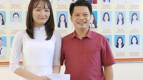 Thầy Phan Khắc Nghệ thưởng 'nóng' 10 triệu đồng cho thủ khoa 30 điểm