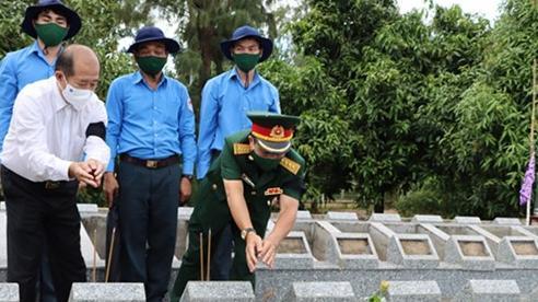 Cải táng sáu hài cốt liệt sĩ tại Đồng Tháp