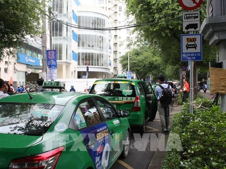 Thành phố Hồ Chí Minh cho phép một số xe taxi hoạt động