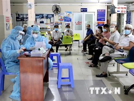 Thành phố Hồ Chí Minh: Hơn 21.000 bệnh nhân mắc COVID-19 xuất viện