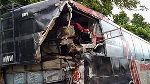 Ngủ dưới đường, nhiều công nhân Ấn Độ bị xe tông tử vong