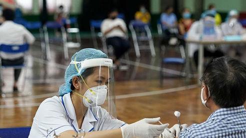 TP.HCM sẽ tiêm vắc xin cho người dân sau 18h