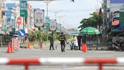 Covid-19: Campuchia phong tỏa 8 tỉnh, áp dụng giới nghiêm chưa từng có
