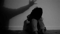 Anh: Hàng trăm trẻ em đã bị bạo hành tại 3 cơ sở chăm sóc ở London