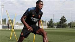 Tân binh của Real Madrid dương tính với Covid-19