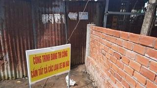 Cà Mau: Chính quyền 'quên' xây đường vào khu tái định cư