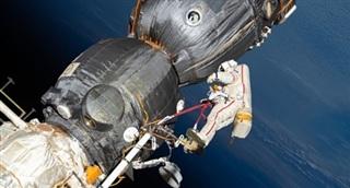 ISS lệch quỹ đạo sau khi kết nối modul mới của Nga