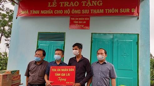 TAND tỉnh Gia Lai: Trao tặng nhà tình nghĩa cho hộ có hoàn cảnh đặc biệt khó khăn
