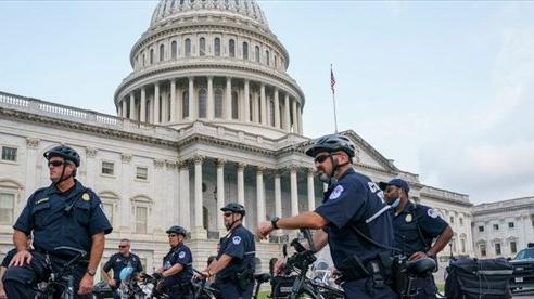 Mỹ sẽ chi 2,1 tỷ USD để bảo vệ Đồi Capitol và 'giải cứu' người tị nạn Afghanistan