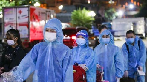 Chuyến tàu đưa người dân về quê Hà Tĩnh phát hiện 9 người nhiễm virus SARS-CoV-2