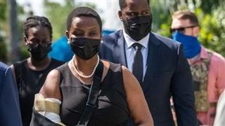 Vợ con Tổng thống Haiti bị ám sát sang Mỹ