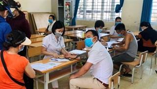 Quảng Ninh: Tiêm vaccine cho 1.200 tiểu thương Chợ Hạ Long I