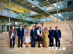 Đại sứ Việt Nam tại Thụy Sĩ làm việc với Cơ quan GESDA