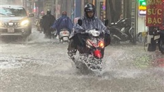 Dự báo thời tiết ngày 2/8/2021: Hà Nội mưa to kèm lốc, sét và gió giật mạnh