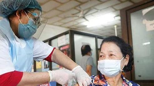 Campuchia bắt đầu tiêm vaccine cho trẻ từ 12 tuổi trở lên