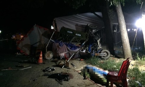 Xe tải tông xe ba gác máy tại chốt kiểm soát, 1 người tử nạn, 2 Công an trọng thương