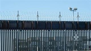 Ông Biden làm gì với bức tường Mỹ-Mexico khi không thể phá bỏ?