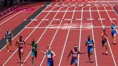 Karsten Warholm đi vào lịch sử trên đường chạy 400m vượt rào nam