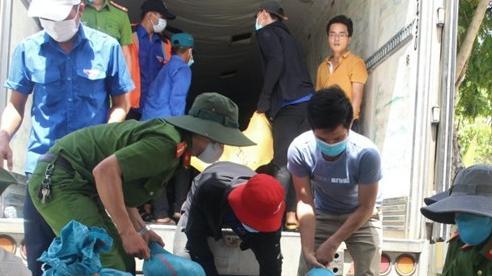 Người dân Quảng Nam hỗ trợ hơn 320 tấn hàng hóa đến người dân vùng dịch
