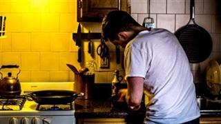 Bạn trai thích nấu ăn khiến tôi cảm thấy hoang mang