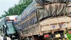 Tiếp vụ 'xe khách Quý Thảo Đăk Lăk gây tai nạn chết người': Gia đình nạn nhân gửi đơn tới Công an tố cáo chủ nhà xe 'cù cưa' bồi thường