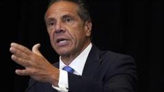 Vì sao Thống đốc New York bị hối thúc từ chức?
