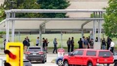 Bạo lực trước trụ sở Lầu Năm Góc, một cảnh sát thiệt mạng