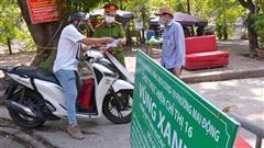 Cận cạnh các chốt 'vùng xanh' bảo vệ các khu dân cư chưa có F0 tại Hà Nội