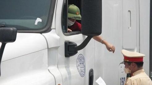 Hà Nội yêu cầu lái xe 'luồng xanh' phải có giấy xét nghiệm COVID-19 âm tính