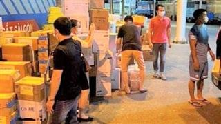 Hơn 300 y bác sĩ Bệnh viện Việt - Đức cùng 8 tấn trang thiết bị vào chi viện TPHCM