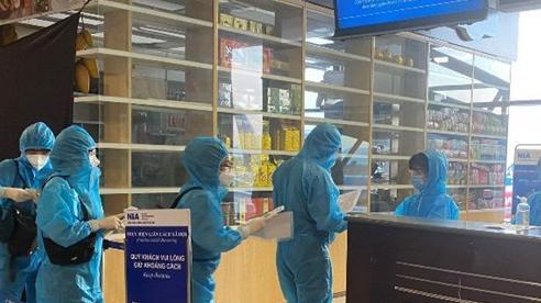 Vietnam Airlines chở 300 y bác sĩ bệnh viện Việt Đức vào TP HCM