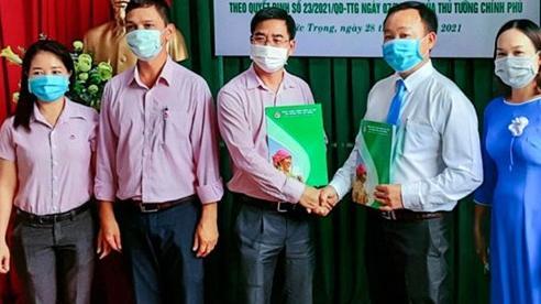 Lâm Đồng: Doanh nghiệp đầu tiên được vay hơn 2,9 tỷ đồng trả lương ngừng việc
